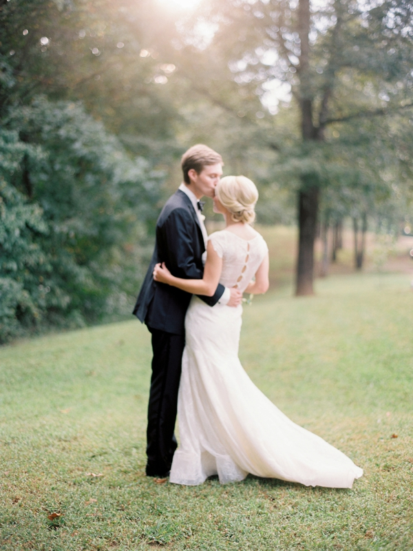 lauren-kinsey-photography-jessica-sloane-styling-mississippi-wedding_0027
